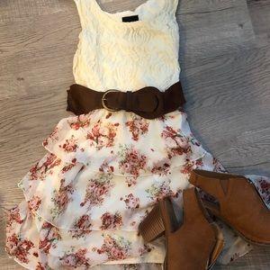 Darling dress with belt